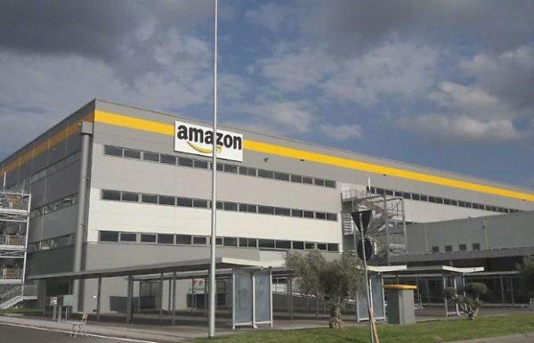 Positiva lavoratrice nel maxi stabilimento di Amazon a Passo Corese