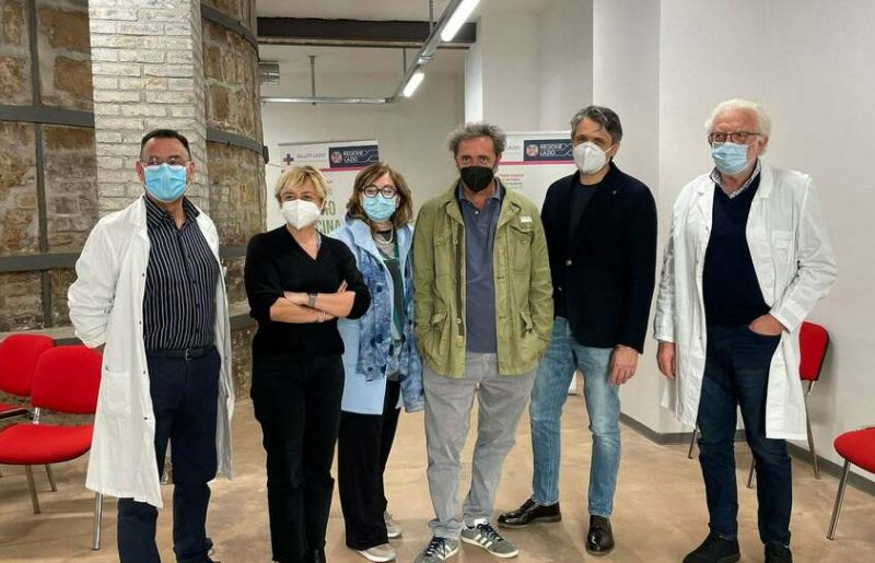Il Premio Oscar Paolo Sorrentino si è vaccinato a Civita Castellana