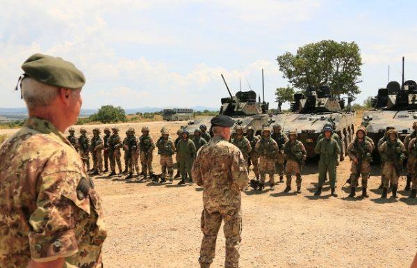 Esercitazione di attacco a fuoco per gli allievi maresciallo del XX corso