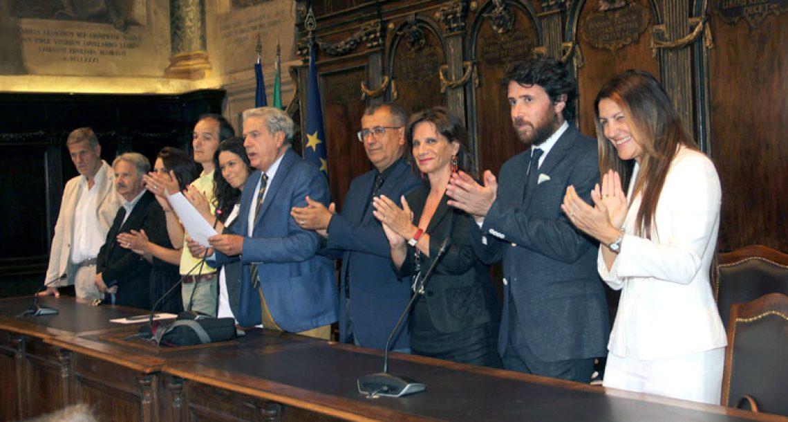 Più soldi per pagare gli stipendi di sindaco e giunta  e quasi 400 mila euro in consulenze