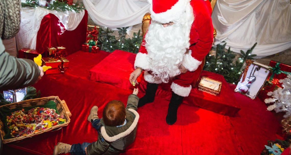 Al Teatro Bianconi si cerca Babbo Natale