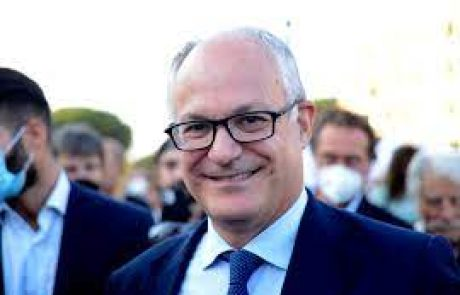 Gualtieri sindaco di Roma, arretra il populismo, moderati ago della bilancia