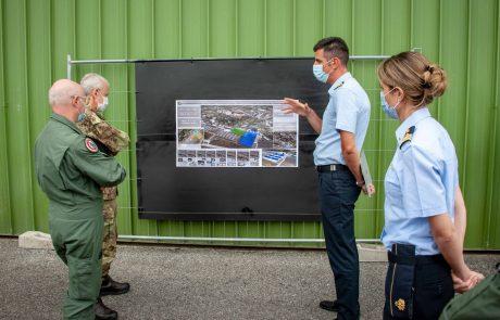 Scuola elicotteri interforze, militari al lavoro