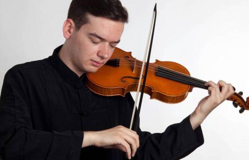 Due virtuosi a Palazzo Farnese: Gabriele Pro al violino e Matteo Rocchi alla viola