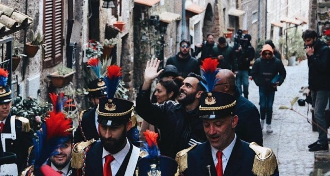 Marco Mengoni torna a Ronciglione per girare un videoclip