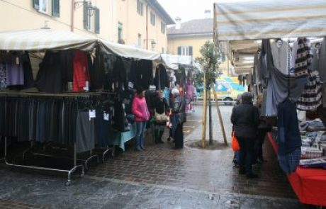 Ristori a fondo perduto per i mercati domenicali